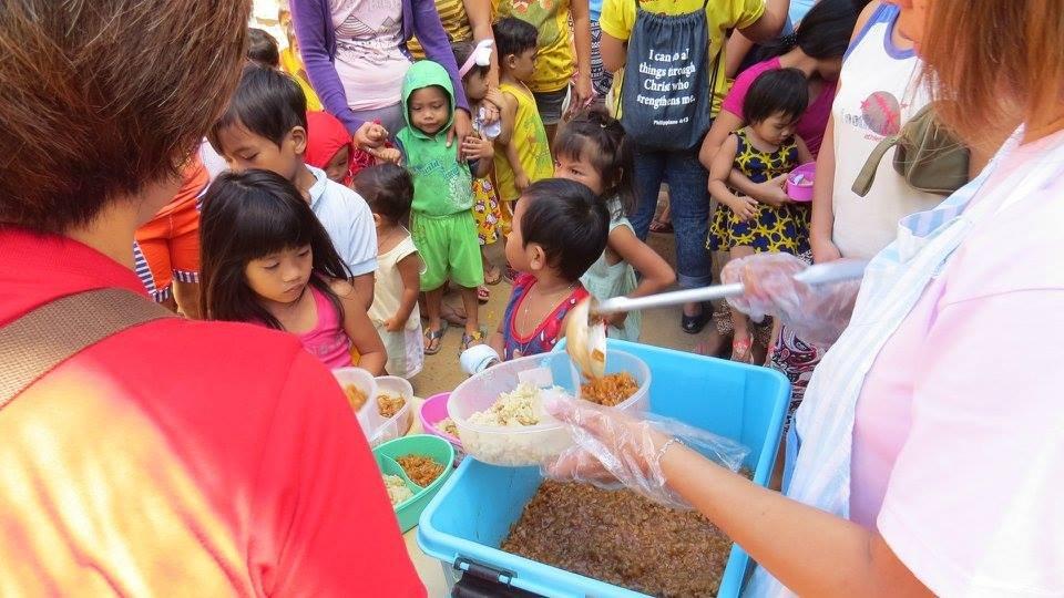Serving of meals at Maharlika Creekside