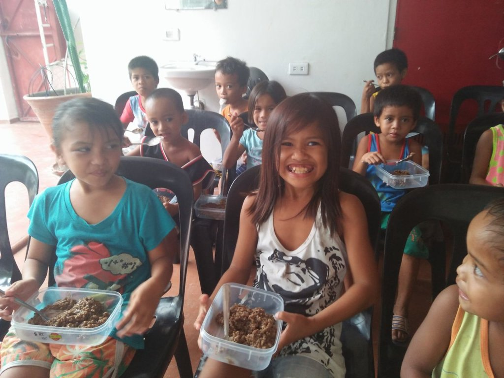 Feeding at Tacloban City