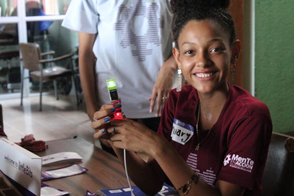 Empower youth through technology in Costa Rica