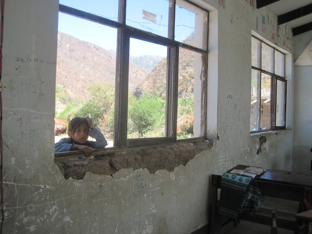 Replace a School in an Earthquake Zone in Bolivia