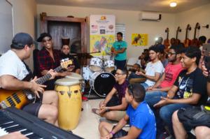 Pedrito Martinez Group gives FEDUJAZZ workshop