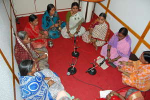 Manndeshi Mahila Singing at Radio Station