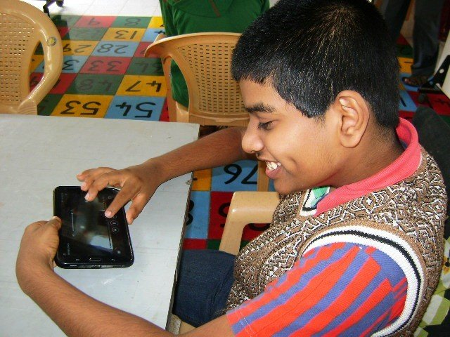 Electronic teaching aids for disabled children