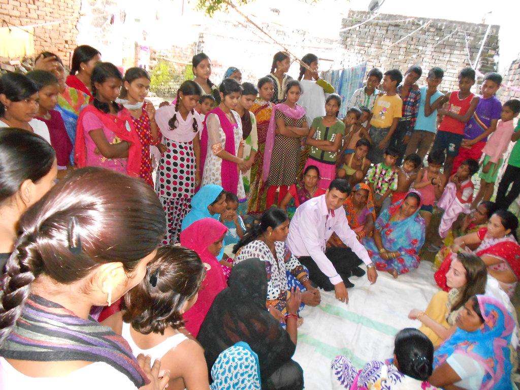 Develop Girls Leadership for Change in 100 Slums