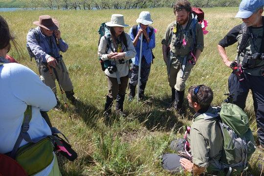 Dr. Cristina Eisenberg instructs volunteers