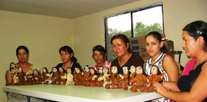 Kikapoo women from Tamichopa with their dolls
