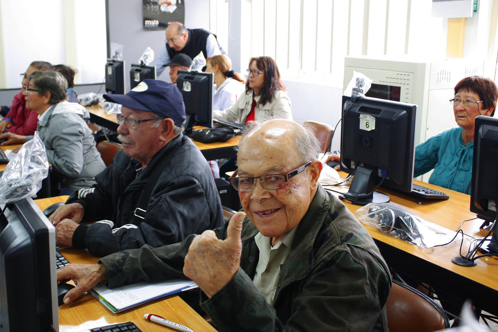 Help  a worthy old age to elderly in Colombia