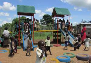 Children on large play structure - May 2016