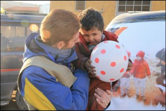 CARE assists evacuees from Aleppo.