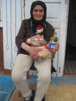 Food packages for elderly at home
