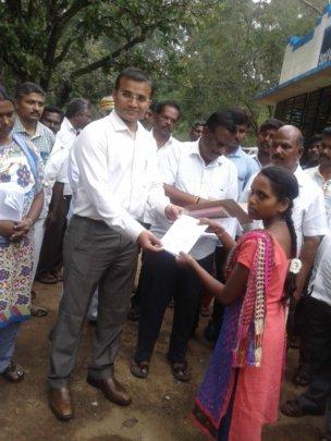 MS.Algunachi recives CC from District Collector