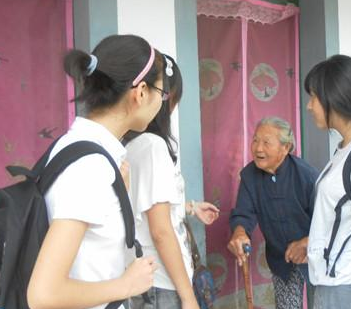 Interviewing elders for the GangJi town Green Map