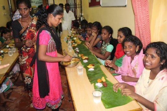 Children during the dinner
