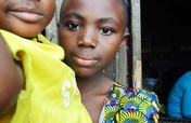 Support Florence to send her 3 children to school!