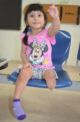 A little baby that needs your help to walk!