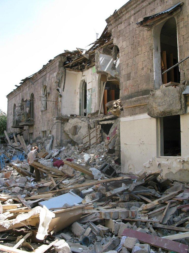Assist Victims of Georgia Conflict