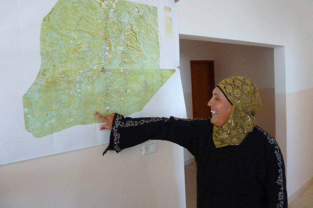 Principal shows the occupation map near Al Samoa