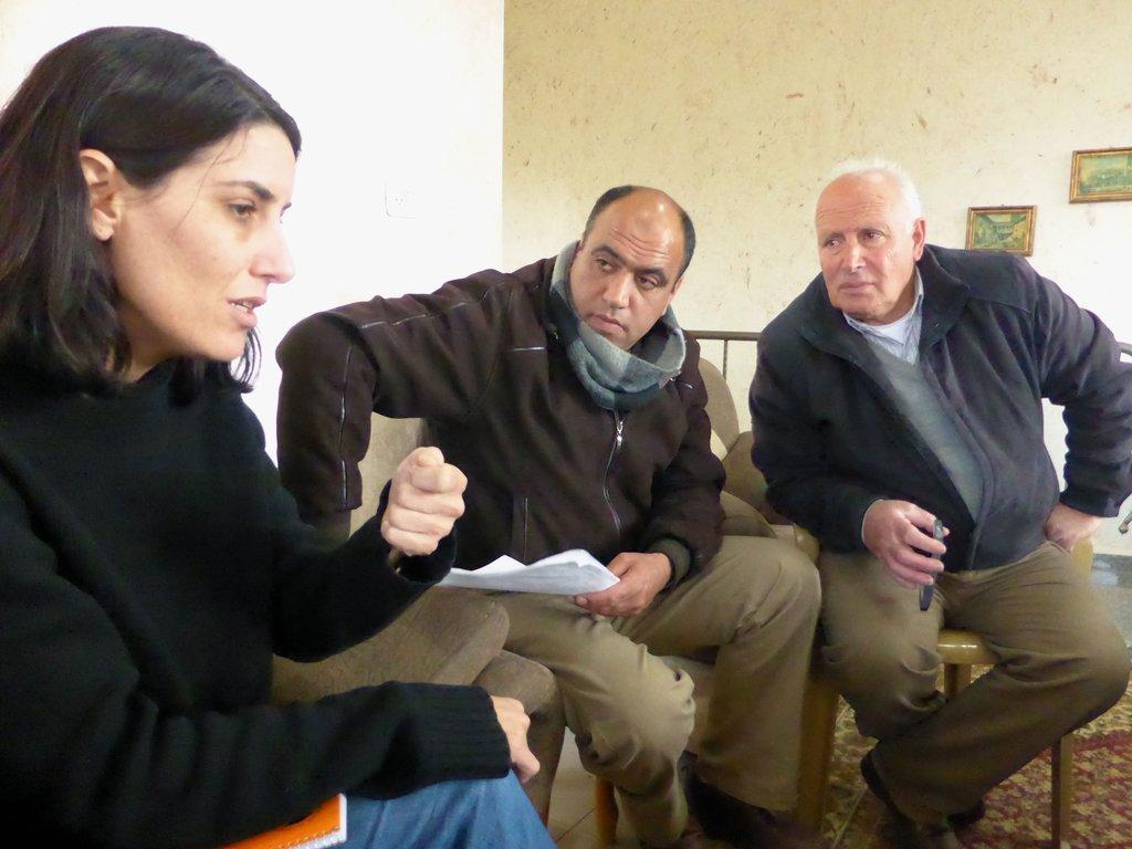 In-depth discussion (in 3 languages)