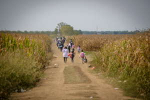 Refugees hurry to cross the border