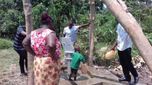 Collecting water from the new borehole