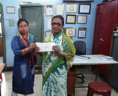 Usha receives her cheque