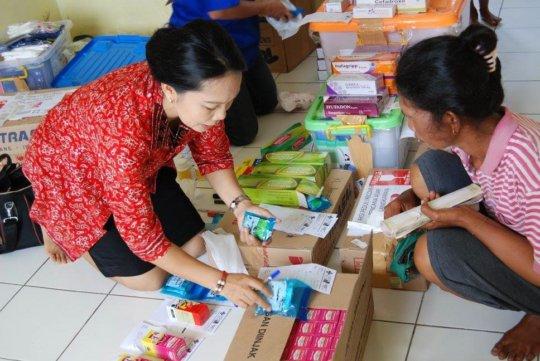 Distribution of vitamins and medicine