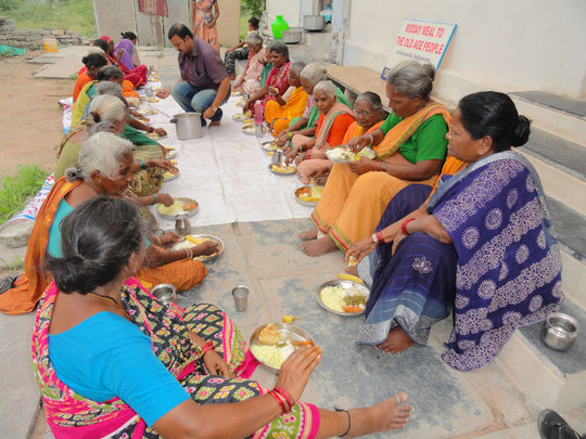 Donate Food for Destitute Old Age Person in India
