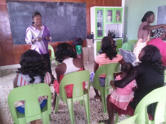 Young mums learning business skills