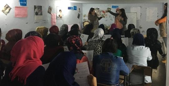Teaching the menstrual cycle to girls in Akkar