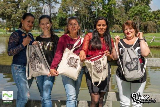 Women from Olingo