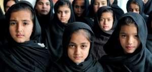 Schoolchildren in Aligrama, KP Province