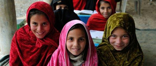 Schoolchildren in Lower Dir (c) Usman Ghani