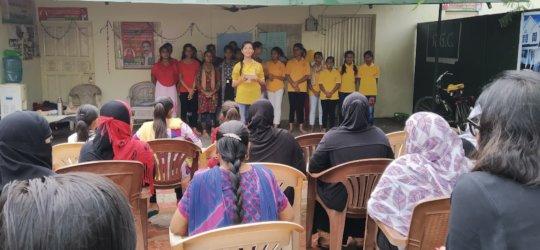 farheen and her peer members educating on MHM