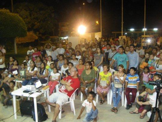 Video screening in Pucallpa (Credit: Uchunya).