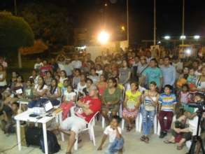 Video screening in Pucallpa (Credit: Uchunya).