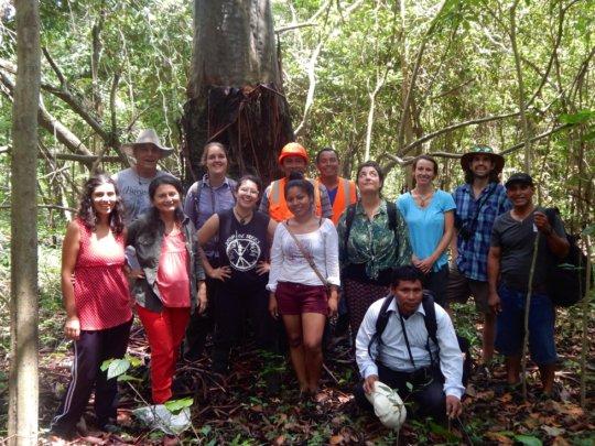 AA team with community members of Calleria