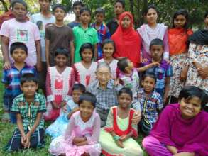Sakura family home children with the founder Md.
