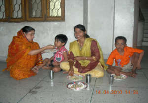 Each mother, MA, takes care of several children