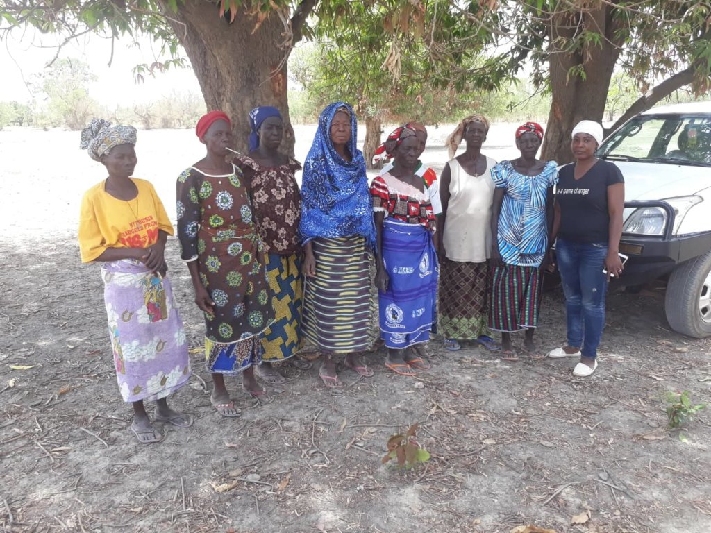 Women of cooperative with CBG coordinator (right)