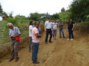 Municipalitys group checking Lurdinhas farm