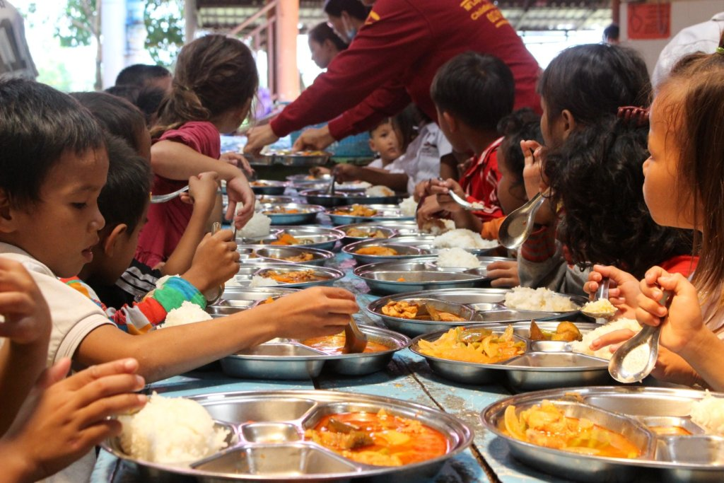 lunchtime for students