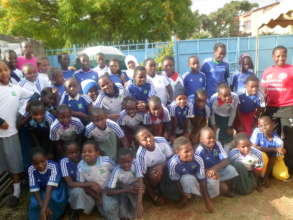 Young Leaders posing for a photo