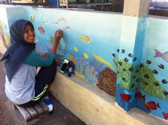 Reports from yayasan alam indonesia lestari globalgiving for Mural indonesia