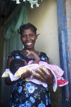 One happy mum supported by HHA