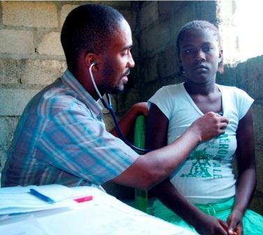 Antinatal checkup at mobile maternity clinic