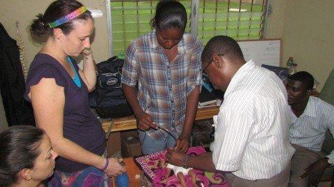 US volunteer sharing her skills