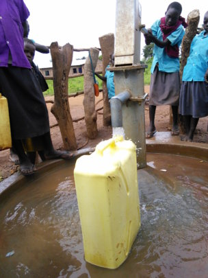 Atar Primary students pump water after school