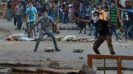 Stone-pelting youth injured 1000+ security men
