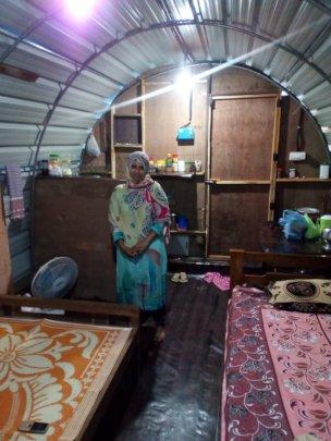 Zeenath in her temporary shelter.....