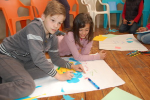 Harap Alb-kids designing small community projects